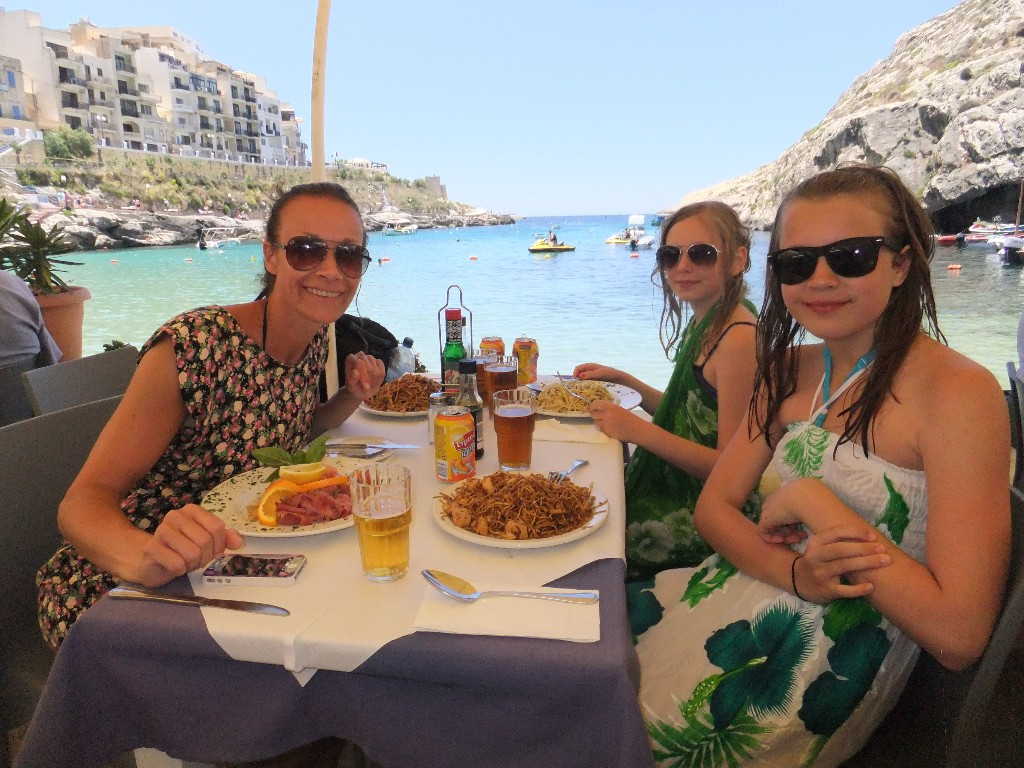 lunch Xlendi gozo