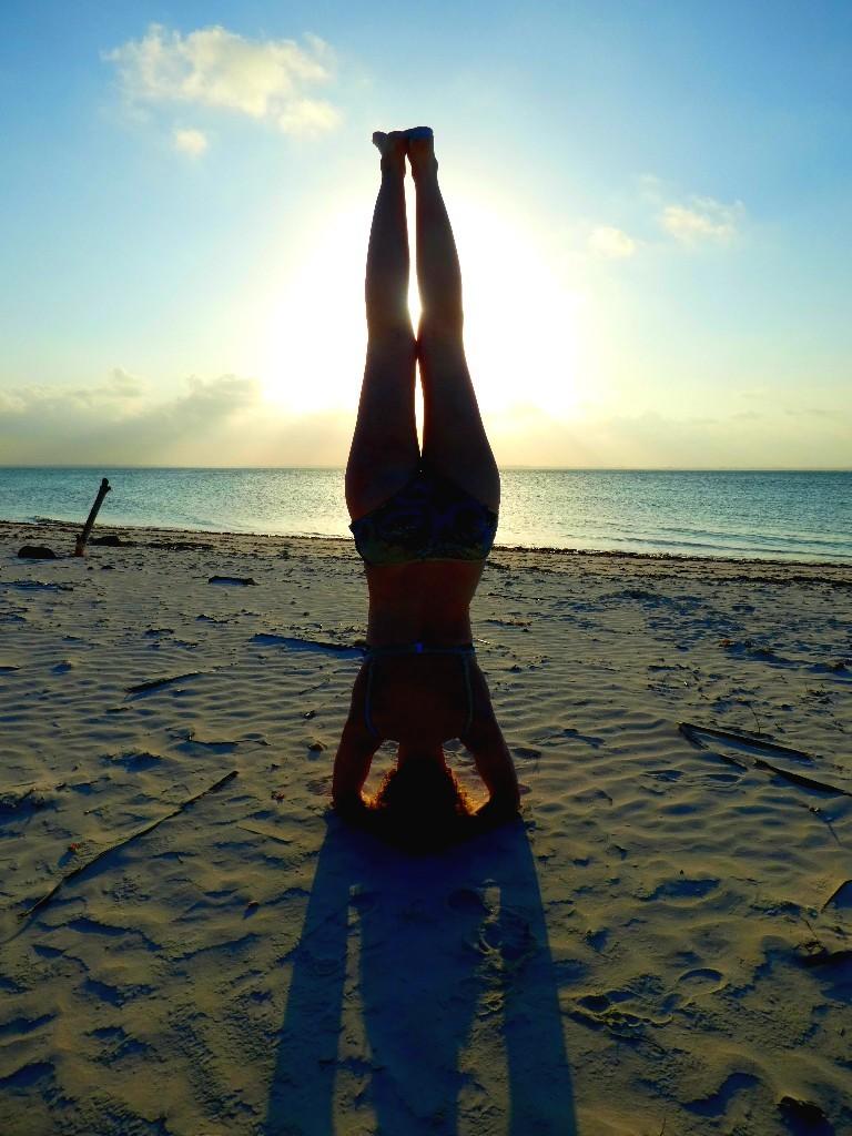 Hur blir man av med värk i axlarna? yoga