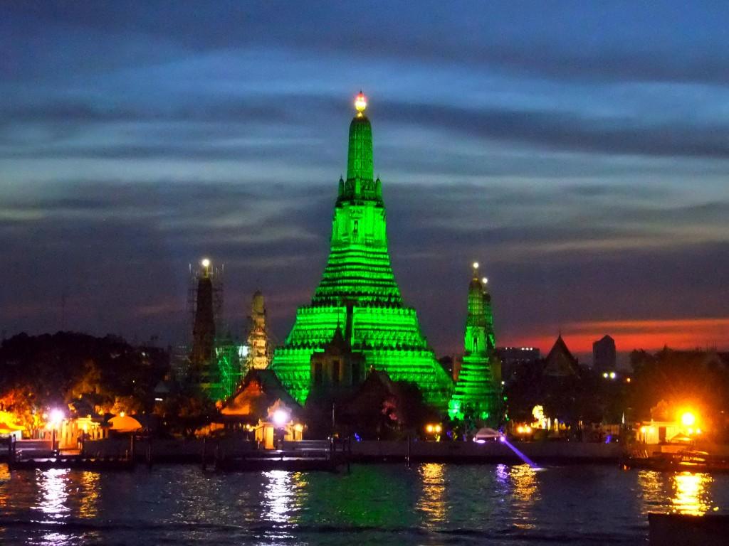 var ska man bo i Bangkok Arum Wat
