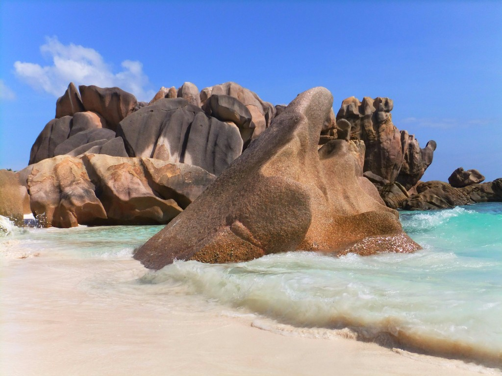 Seychellerna eller Zanzibar. Anse coco på La Digue Seyhcellerna.