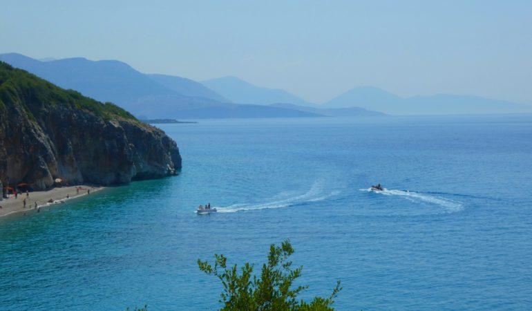Albaniens bästa stränder – häng med på beach-hopping
