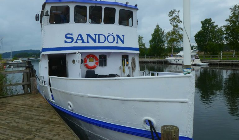 Kryssning på Göta kanal – M/S Sandön genom kanalens mesta sluss