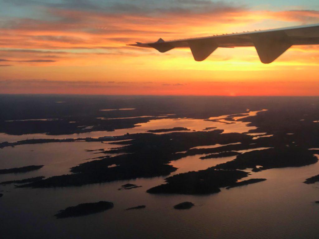 Varför är man egentligen flygrädd och hur botar man flygrädsla?