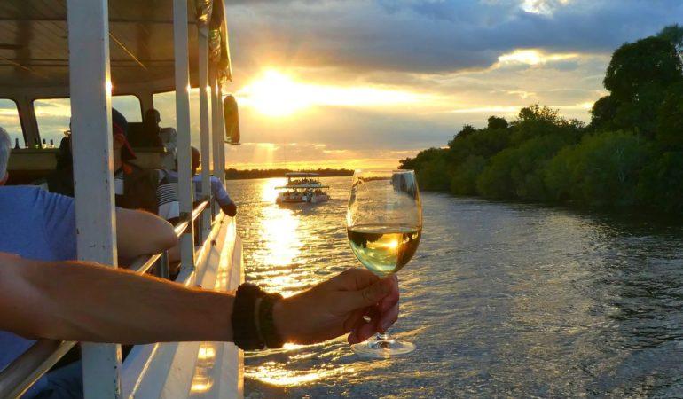 Solnedgångskryssning på Zambezifloden och en check på den där bucket-list'en