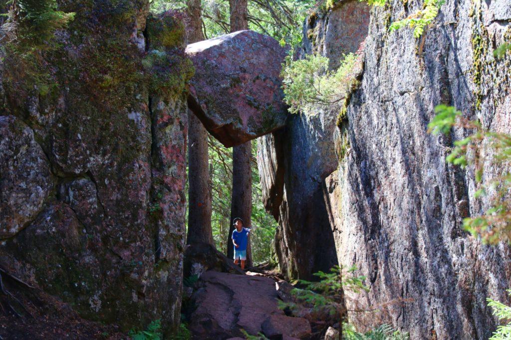 Slåttdalsskrevan och Slåttdalsberget - vandring längs Höga Kustenleden