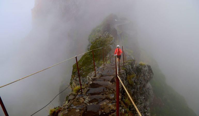 Madeiras bästa vandring – Pico do Arieiro till Pico Ruivo