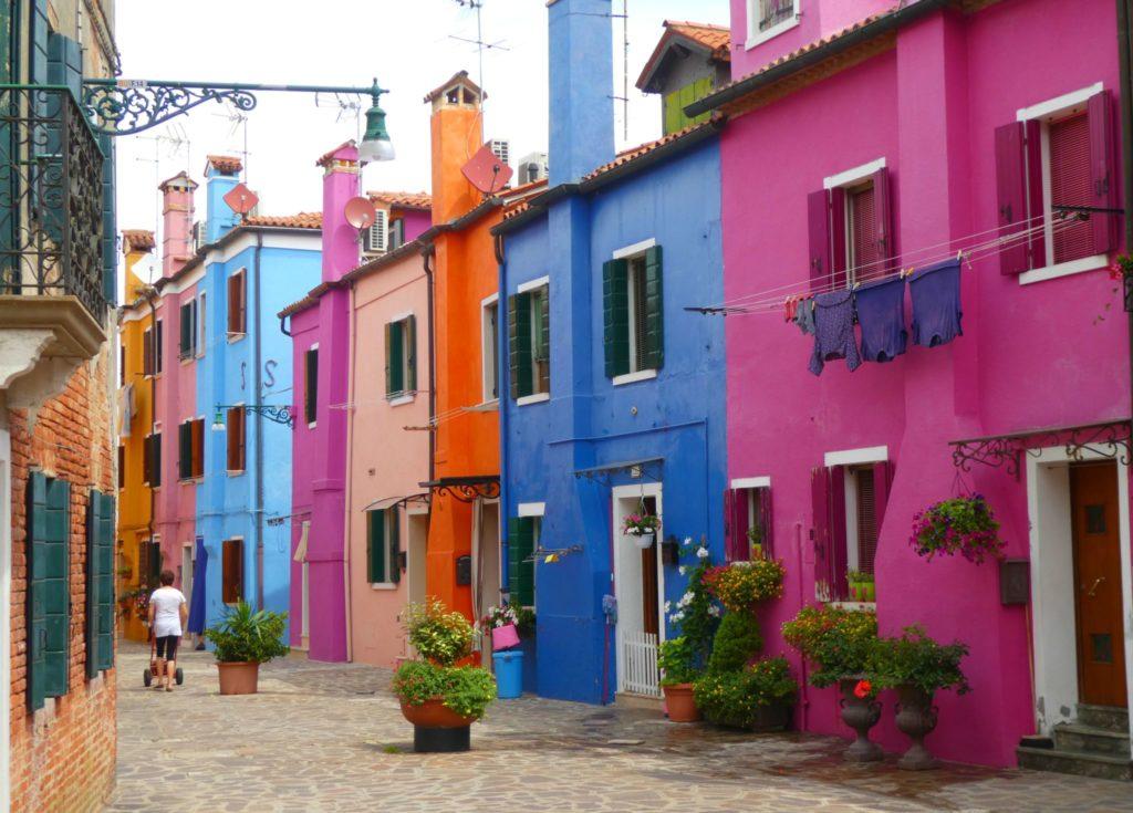färgglada städer