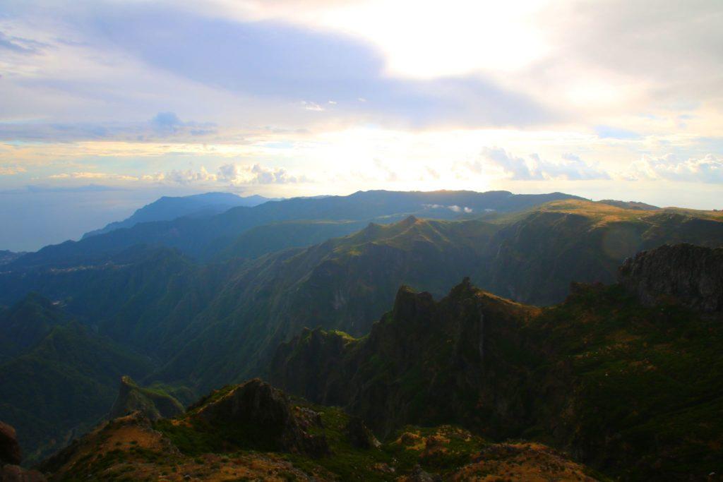 Madeiras bästa vandring - Pico do Arieiro till Pico Ruivo