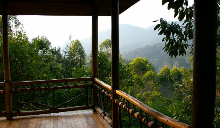 Våra lodger i Uganda – glamping, utomhusduschar och maffiga utsikter