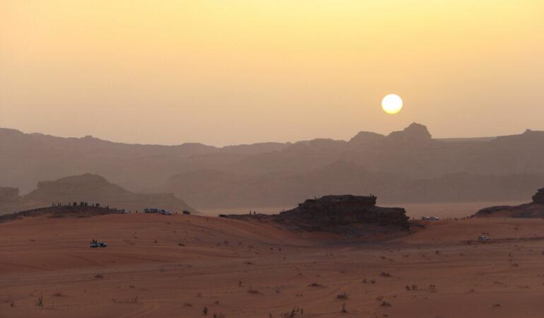 Bo i beduinläger i Wadi Rum – en natt under stjärnorna i Jordaniens öken