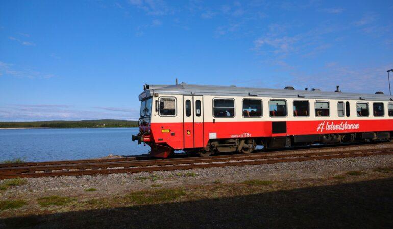 Inlandsbanan: Tåget som aldrig kom, en helt vanlig lördagkväll som resebloggare och att se sig själv genom någon annans (förvånade) blick