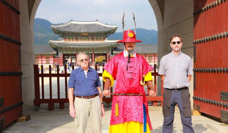 Intervju med pappa 85 år om hur det var att resa till Hong Kong och Seoul