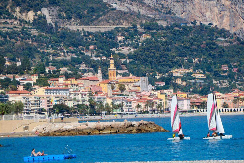 Var ska man bo längs Franska Rivieran Menton