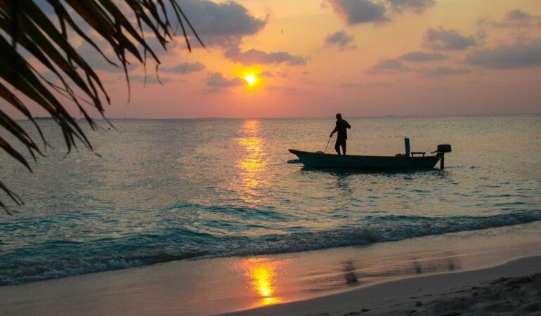 Ukulhas på Maldiverna – en populär lokal ö med fina stränder