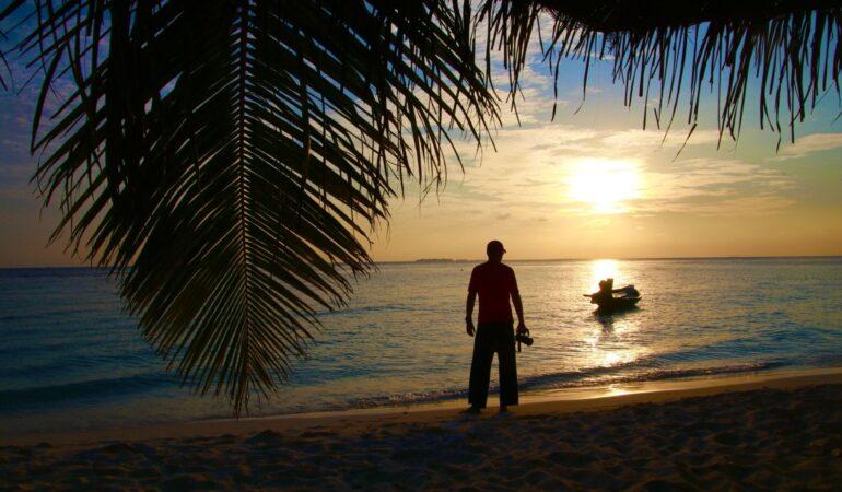 Hur gör man för att resa billigt till Maldiverna?
