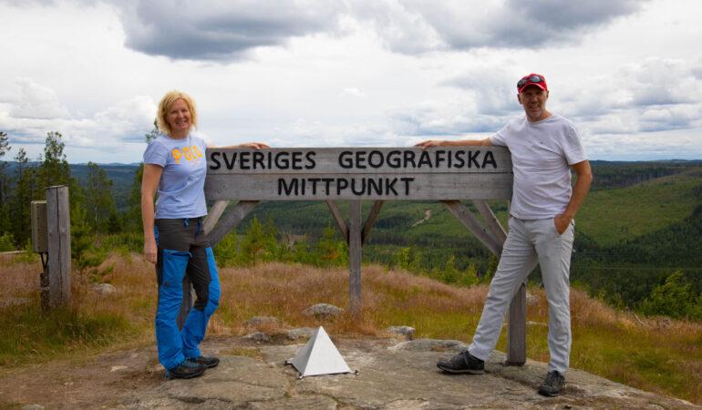 Sveriges geografiska mittpunkt – chokladboll på Café Mittpunkten på Flataklocken